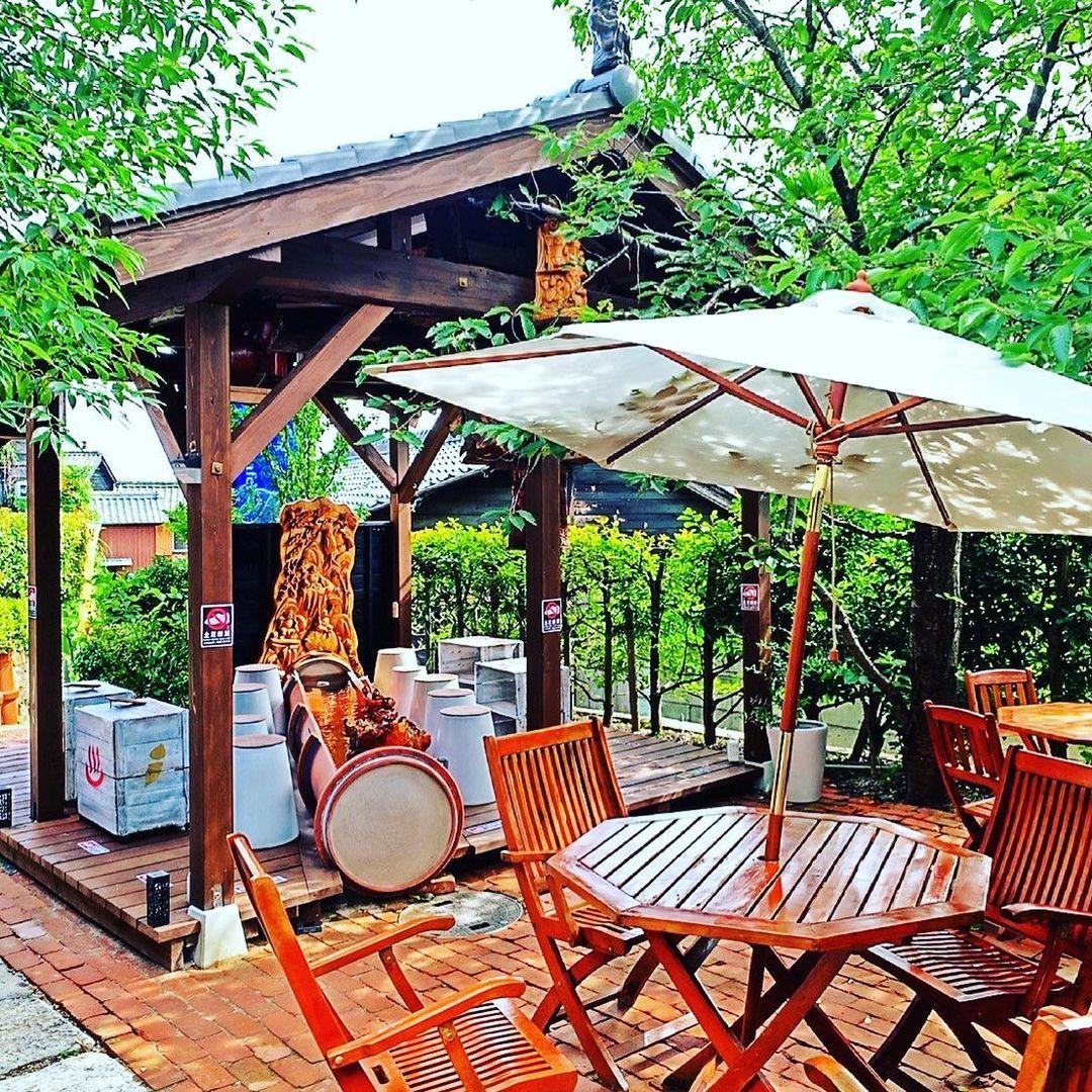 常滑市 やきもの散歩道 足湯カフェ「俺の金の焼き芋」様 カフェスペース
